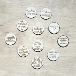 Egyik tizenkilenc | chipboard címfelirat csomag